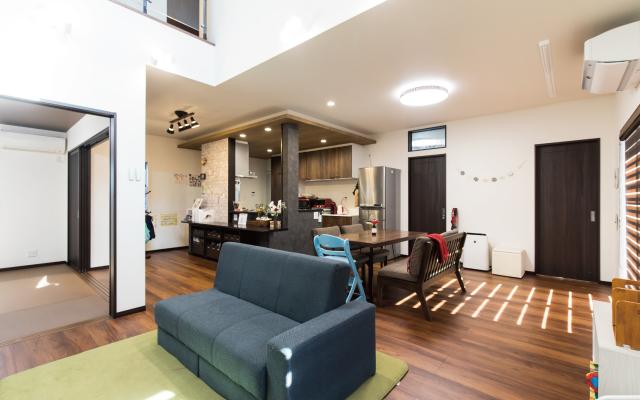 広い空間で遊べる家の画像