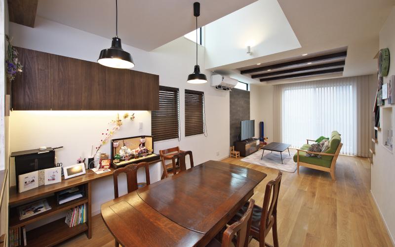 高さと広がりを満喫する家 の画像6