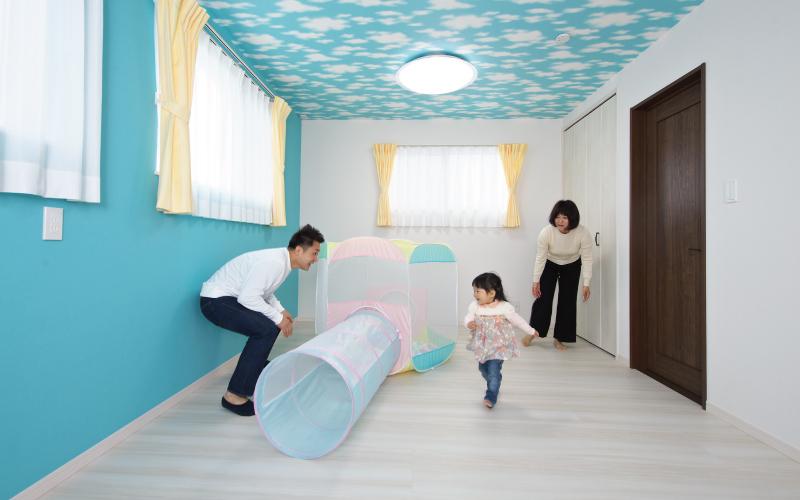 高さと広がりを満喫する家 の画像16