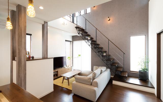オシャレなスリット階段のある家 の画像5