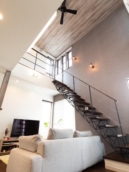 オシャレなスリット階段のある家 の画像8