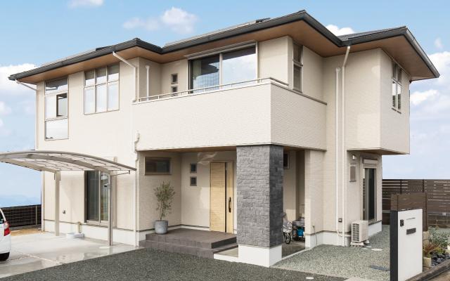 2階リビングの明るい家の画像